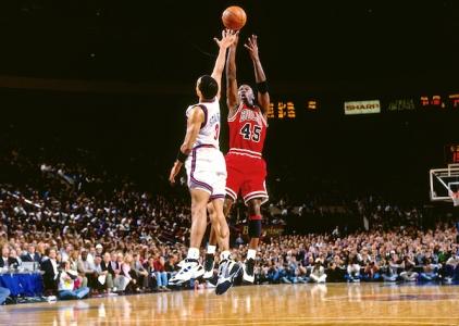 THROWBACK: Michael Jordan scores 55 vs the Knicks in 1995