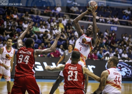 McKay's monster effort deals Alaska a second straight loss