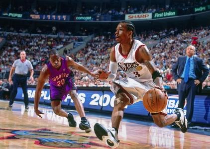 THROWBACK: Iverson powers 76ers past Raptors