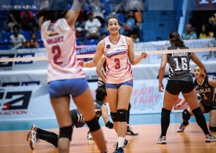 Cool Smashers submit Perlas in four sets