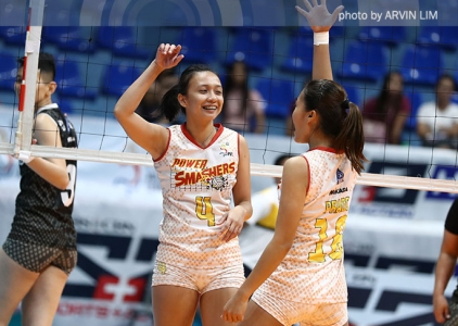 Power Smashers outlast Perlas Spikers, end three-game slide