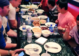 WATCH: Manny Pacquiao has supper with